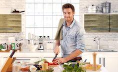 Tips on how to design a kitchen for men! http://rangehoodsinc.com/blog/trend-alert-designing-kitchens-for-men/