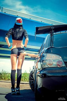 naked girls and trucks