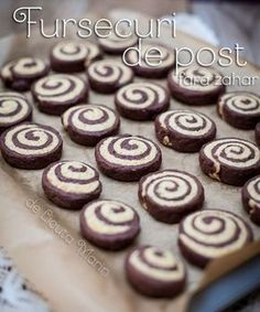 Reteta Fursecuri de post fara zahar din categoria Delicii de post de la bloggeri Vegan Sweets, Sweets Recipes, Vegan Desserts, Cake Recipes, Vegan Recipes, Homemade Sweets, Good Food, Yummy Food, Biscuit Cookies
