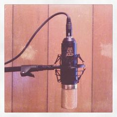 MXL V69 cardioid tube microphone with Mogami parts