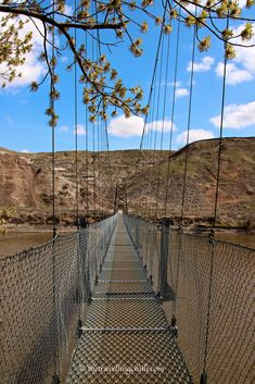 Suspension bridge over the Red Deer River connecting the Star Mine in Drumheller, Canada - Alberta - British Columbia O Canada, Alberta Canada, Canada Travel, Visit Canada, Drumheller Alberta, Alberta Travel, Suspension Bridge, Travel Inspiration, Vacation