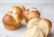 Advocaatbroodjes Potatoes, Vegetables, Desserts, Food, Tailgate Desserts, Deserts, Potato, Essen, Vegetable Recipes