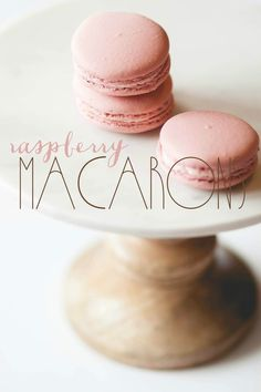 raspberry macarons Yummy Cookies, Yummy Treats, Yummy Food, Baking Recipes, Dessert Recipes, French Macaroons, French Pastries, Mini Desserts, Coffee Cake
