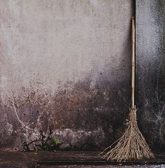 BROOM SWEPT  ...color | contrast | texture | pattern | layout | style | photography | broom
