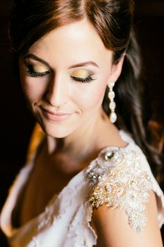 Sparkles and gold modern chic inspiration - see more at http://fabyoubliss.com