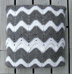 actual pattern for a crochet chevron pillow cover
