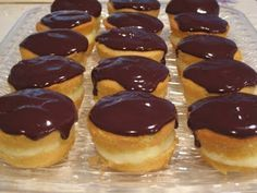 Boston Cream Cupcakes. . . yum!!    Made these for Nathan and they were yummy!!  The powdered sugar is not needed.