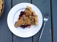 The Fruits of our Labour: Saskatoon Crumb Pie Saskatoon Berry Recipe, Pick Your Own Fruit, Homemade Pie, Oatmeal, Berries, Food And Drink, Cookies, Breakfast, Desserts