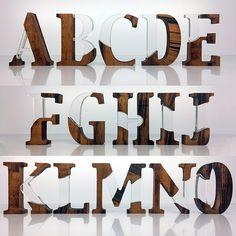 Letras em madeira e acrílico criadas por mim, estão a venda, para comprar entre em contato: thiago@digitalmagic.com.br