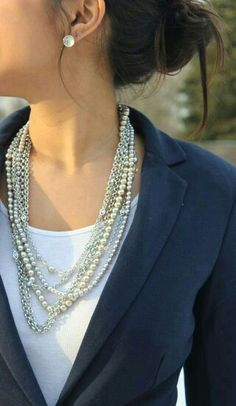 Need this necklace! Lia sophia