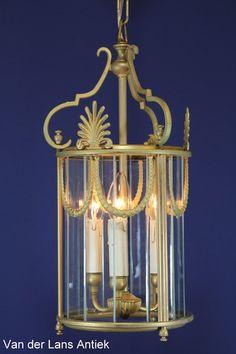 Klassieke lantaarn 24551 Bekijk ook onze antieke kroonluchters op www.lansantiek.com!