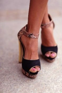 Black heel w animal print accent