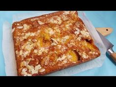 Prajitura simpla si rapida cu piersici, caise sau prune - YouTube Romanian Desserts, No Cook Desserts, Lasagna, Banana Bread, Macaroni And Cheese, French Toast, Food And Drink, Sweets, Cooking