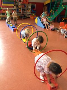 Learning Through Play: 30 Awesome Sensory Bins Children's Day Activities, Movement Activities, Gross Motor Activities, Gross Motor Skills, Montessori Activities, Picnic Activities, Preschool Gymnastics, Preschool Activities, Yoga For Kids