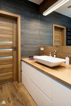 Whether you objective of a soothing bath considering spa-like paint colors or a bold bath in the manner of a risk-taking color scheme, our gallery of bathroom color is distinct to inspire. Bathroom Co Contemporary Bathroom Designs, Bathroom Layout, Bathroom Colors, Modern Bathroom Design, Bathroom Interior Design, Bath Design, Interior Modern, Interior Ideas, Wooden Bathroom