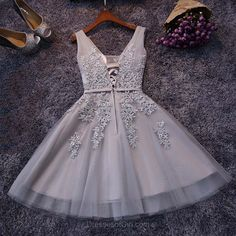Tulle A-line V-neck Short Prom Dresses,Homecoming Dress with Appliques,Perfect Homecoming Dresses,Sexy Graduation Dresses,Cute Homecoming Dress with Beading #shortpromdresses