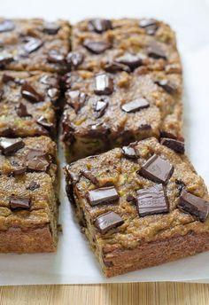 Chocolate Chip Paleo Zucchini Bread #paleo #dairyfree #grainfree #cleaneating