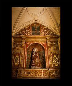 ALTARPIECE, VIRGEN DE LA DOLOROSA  Santo Domingo First third of the XVIII century Carved wood, gilt and polychrome Image of the Virgen de Argadillo 122 cm x 180 cm x 72 cm Metropolitan Cathedral of Santo Domingo