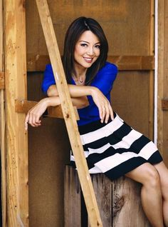 Ming-Na Wen from Agents of S.H.I.E.L.D. looks amazing in a bright, cobalt top and our Newsprint Striped Skirt. AND I am currently wearing this skirt! Beautiful Asian Women, Beautiful Celebrities, Amazing Women, Beautiful Ladies, Pretty People, Beautiful People, Melinda May, Ming Na Wen, Chinese Actress
