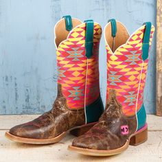 "LOVE! ""Cinch Edge Ladies' Fritzy Boots"" Absolutely Obsessed and In Love and I will HAVE these!!!!"