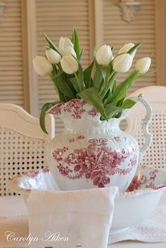 Red Transferware and White Tulips...I wish I had this!