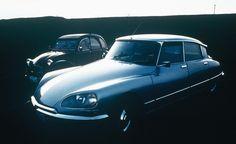 Les français ont désigné leurs cinq voitures préférées parmi une liste de 20 modèles qui ont marqué les 70 dernières années. Si l'on peut regretter le manque de choix (20 modèles, c'est peu) et l'absence de certaines automobiles dans la liste proposée, ce classement a le mérite d'exister. Il met en valeur les disparités hommes/femmes et générationnelles, ainsi que la force d'une marque allemande aujourd'hui dans la tourmente…