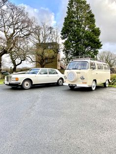This Rolls Royce Silver Spur was the perfect addition to our 1970 camper van. Both timeless classics and both perfect wedding transport. If you're not sure, why not do both. That way you have the best of both worlds! Ultimate luxury and ultimate boho chic. Rolls Royce Silver Spur, Wedding Hire, Vintage Weddings, East Sussex, Vw Camper, Bay Window, Surrey, Hampshire, That Way