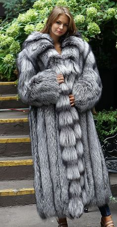 Great Selection of Fox Coats Fox Jackets are available in many styles and colors. Fox furs are one of the warmest furs in a harsh cold winter day Fox Coat, Fox Fur Jacket, Fur Coat Fashion, Steampunk Fashion, Gothic Fashion, Women's Fashion, Long Fur Coat, Snow Outfit, Fabulous Furs