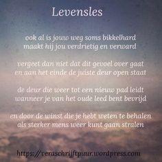 Our social Life Sad Quotes, Qoutes, Motivational Quotes, Life Quotes, Inspirational Quotes, Beautiful Lyrics, Dutch Quotes, Thing 1, Verse