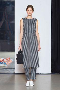 Marimekko Spring 2018 Fashion Show - The Impression New Fashion Trends, Fashion 2018, Fashion News, Paris Fashion, Fashion Women, Women's Fashion, Casual Outfits, Fashion Outfits, Dress Outfits