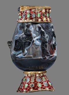 Vase de sardoine dit de saint Martin, Ier siècle avant JC, VIesiècle, Abbaye de Saint-Maurice d'Agaune