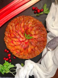 This rhubarb upside down cake is as pretty as it is delicious. Super-easy to make - and flip over to reveal the spiral rose pattern. Unique Recipes, Amazing Recipes, Great Recipes, Favorite Recipes, Christmas Foods, Holiday Foods, Holiday Recipes, Fun Desserts, Delicious Desserts