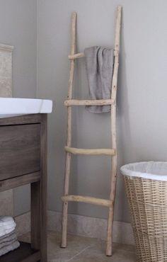 Houten ladder / decoratietakken.nl Diy Ladder, Ladder Decor, Victorian Living Room, Shabby Chic Homes, Interior And Exterior, Home Goods, Home Improvement, New Homes, Sweet Home