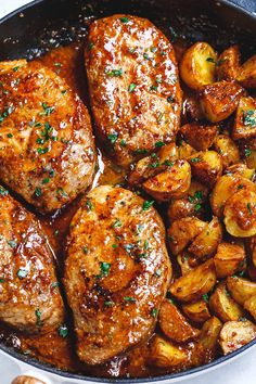 Honey Mustard Pork Chops and Potatoes Skillet - Best ever melt in your mouth super delicious pork chops! Honey Mustard Pork Chops and Potatoes Skillet - Best ever melt in your mouth super delicious pork chops! Pork And Potato Recipe, Easy Pork Chop Recipes, Pork Rib Recipes, Salmon Recipes, Spicy Recipes, Skillet Pork Chops, Pork Chops And Potatoes, Skillet Potatoes, Steaks De Porc