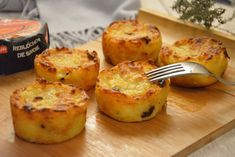 Cakes of potato reblochon Over Thyme Beignets, Chefs, Cake Factory, Good Food, Yummy Food, Special Recipes, Vegetable Dishes, Gluten Free Recipes, Food Videos