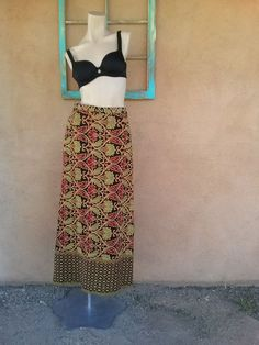 Vintage 1970s Skirt Maxi Tapestry Long Boho Hippie W26 US6 2013388 - pinned by pin4etsy.com