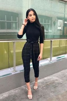 Business Attire For Young Women, Business Casual Outfits For Women, Fall Outfits For Work, Casual Work Outfits, Semi Casual Outfit Women, Semi Formal Outfits For Women, Chill Outfits, Summer Work Clothes, Women Work Outfits