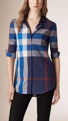 Burberry women's shirts and tops refined through pattern and proportion, in silk and cotton. Ladies Shirts Formal, Dress Shirts For Women, Clothes For Women, Burberry Women, Casual, Cool Outfits, Women Wear, Tunic Tops, My Style