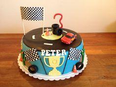 Lynet McQueen kage - Lightning McQueen cake