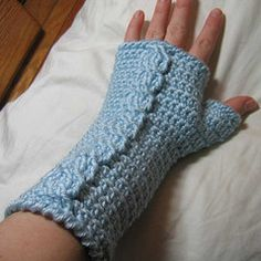 Crocheted Cable Fingerless Mitts!