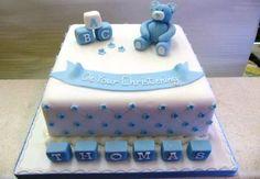 Risultati immagini per christening cake for a boy Baby Boy Christening Cake, Baby Boy Cakes, Cakes For Boys, Baby Shower Cakes, Gateau Baby Shower Garcon, Comida Baby Shower, Christian Cakes, Decors Pate A Sucre, Occasion Cakes