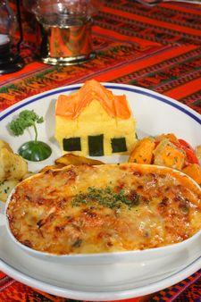 Keeshi Yena - National Dish of Aruba