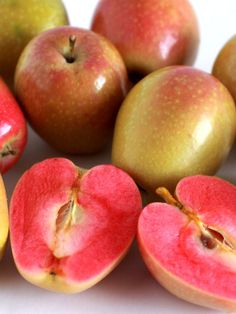"Apples ""Mountain Rose"""