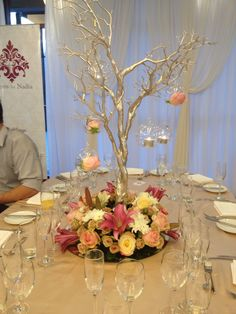 What Makes a Perfect Summer Theme Wedding? Manzanita Tree Centerpieces, Candle Wedding Centerpieces, Wedding Reception Decorations, Centrepieces, 50th Birthday Decorations, Ball Decorations, Ornament Wedding Favors, Pink Flowering Trees, Wedding Cake Display