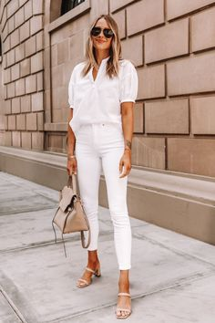 Summer is the opportune time to style white on white monochromatic outfits! Learn how to wear white on white in a chic, easy outfit that lengthens your body.