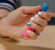 Video Tutorial: How to Create Plaid Nails #divinecaroline #plaid #nailart