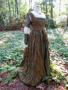 Faerie Queen costume |  Medieval Muse: Foliate Italianate