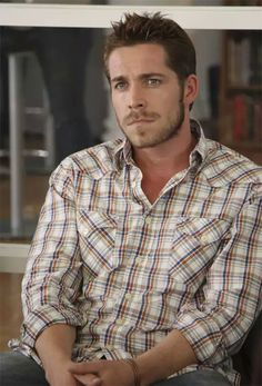 Sean Maguire (Robin Hood on Once Upon A Time)He's so good looking!