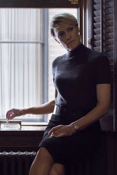 Robin Wright Claire Underwood House of Cards Chapter 26 Robin Wright, 50 Fashion, Work Fashion, Claire Underwood Style, Power Dressing, House Of Cards, Work Looks, Work Attire, Lady