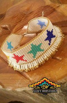 Bead Jewellery, Brick Stitch, Summer Desserts, Loom, Crochet Earrings, Projects To Try, Jewelry Making, Beaded Bracelets, Diy Crafts